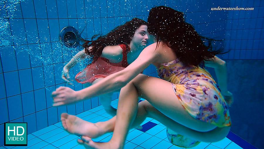Underwater Nude naked girls